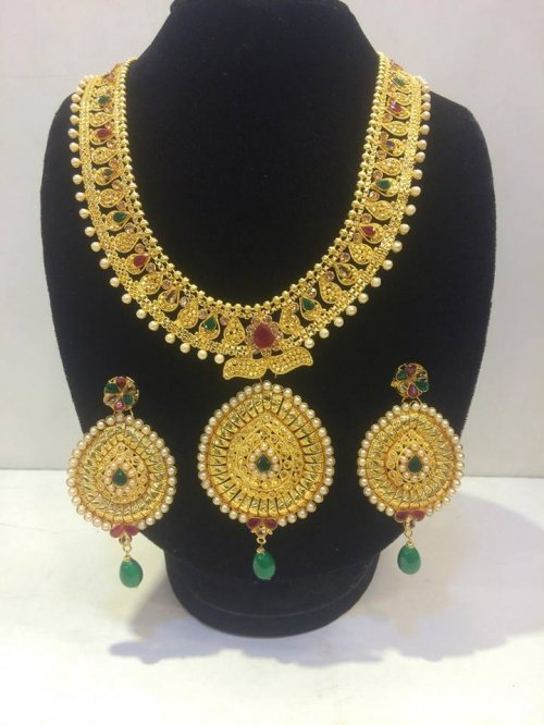 Real Gold Plated Indian Very Exclusive Jewelery cASH ON DELIVERY AND HOME DELIVERY SERVICES ARE AVA