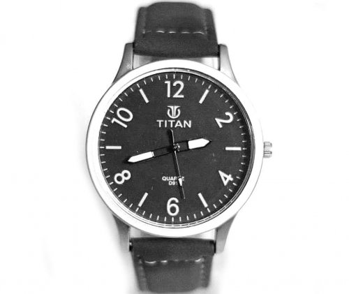 TITAN menz wrist watch