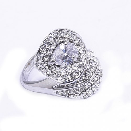 Fashionable Valentines Finger Ring 1