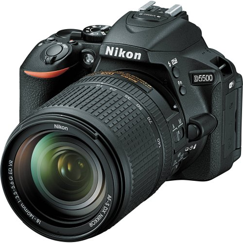 Nikon D5500 with 18-140 VR